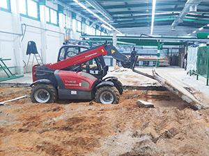 Abbruch Bodenplatte in einer Produktionshalle, Obercarsdorf
